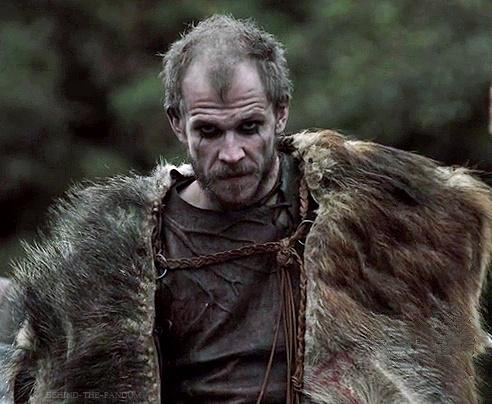 Gustaf Skarsgård jako Floki