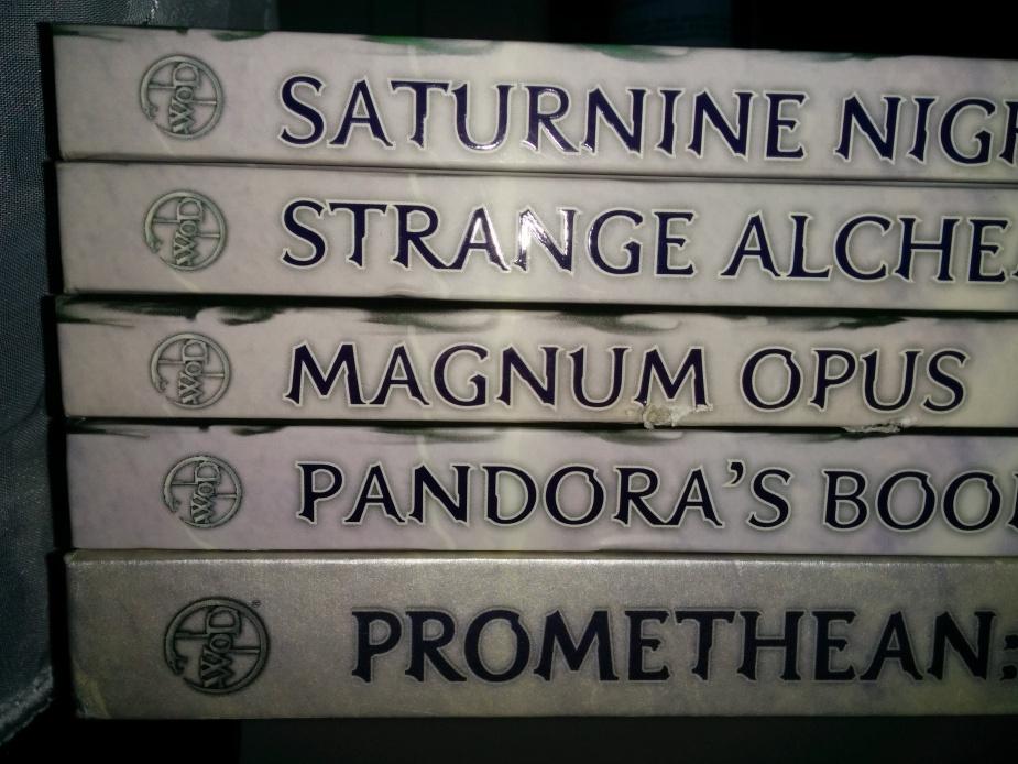 Promethean: the Created, Pandora's Book, Magnum Opus, Strange Alchemis i Saturnine Night - jeśli chodzi o kluczowe dodatki jest to kompletna linia wydawnicza do tej gry; wszystkie książki większość życia spędziły na mojej półce, niestety nie wszystkie są w stanie idealnym.