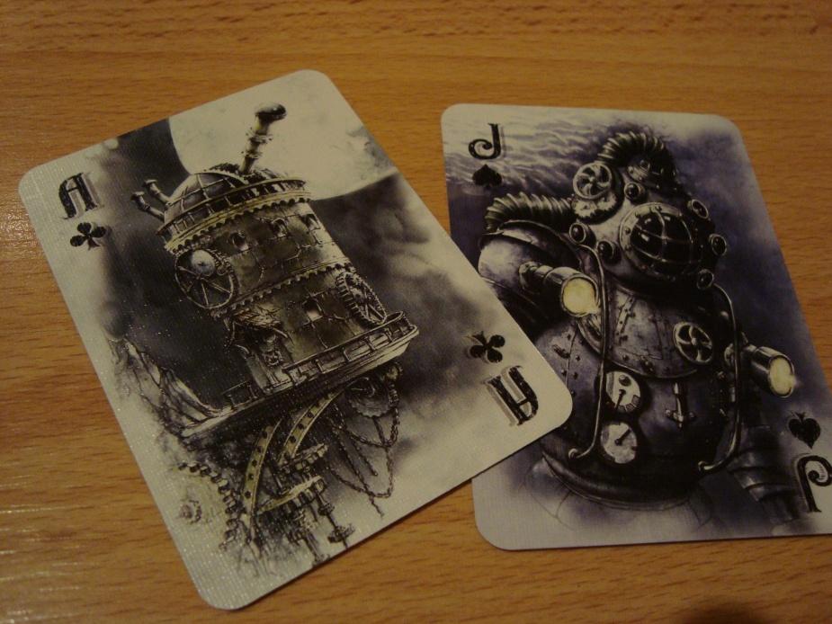 Z czym wam się kojarzą te dwie karty? Na pierwszą myśl przyszły do głowy gry elektroniczne – kolejno Machinarium i Bioshock.