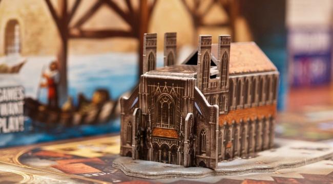 Bogactwo i sława z katedrą w tle