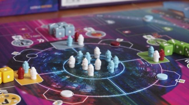 Wybierz kość i przemierzaj kosmos!